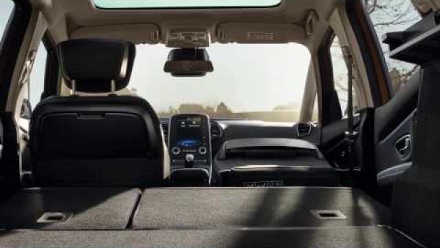 INTERIOR PRESENTATION : DRIVER'S POSITION